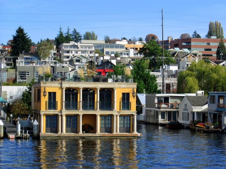 This, for example, is a floating home. I was stunned to learn just how pricey these homes can be! Homeowners pay a serious premium to live right on the water, in what many consider to be a quintessential symbol of Seattle.