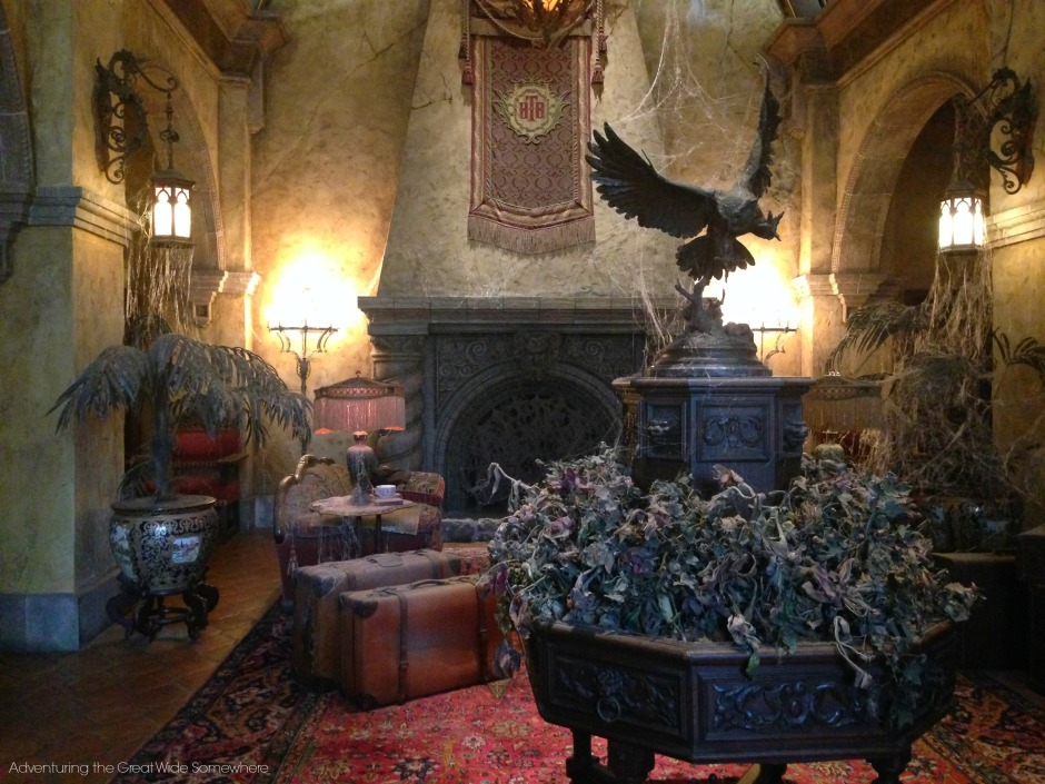 The dusty, spooky lobby of the Hollywood Tower Hotel.