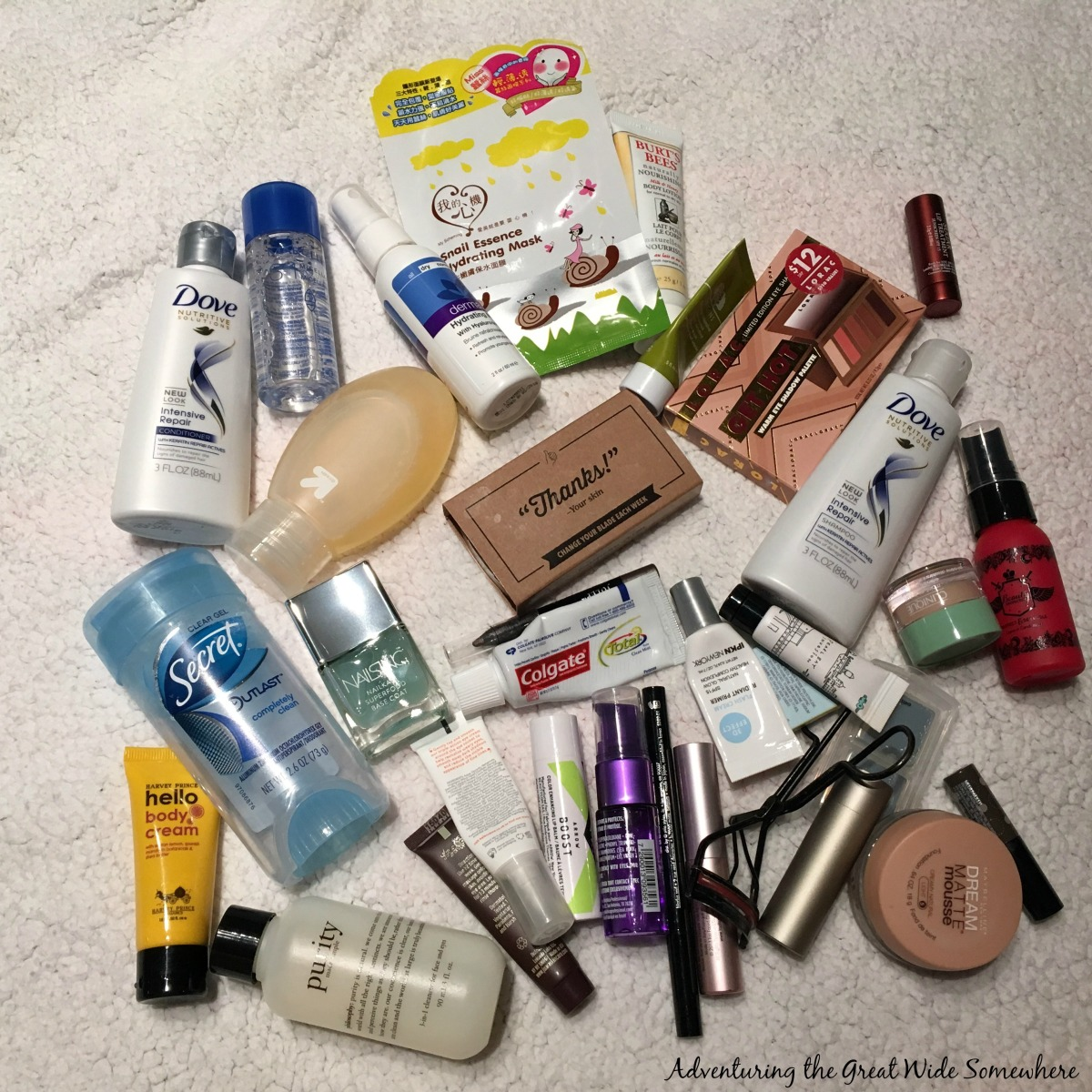 What's in my Bag, Spring Travel in Seattle.jpg