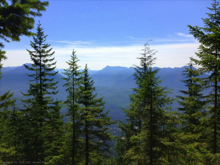 Stunning Mountain Views from the Mount Si Trail