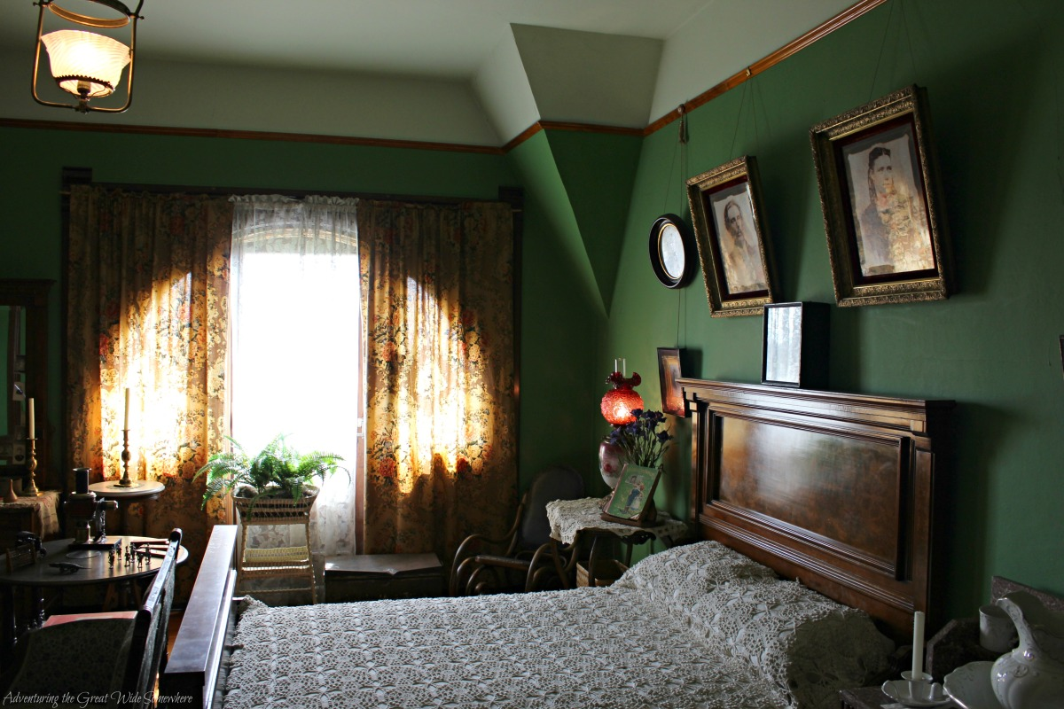 Craigdarroch's Seventh Bedroom, AKA Robert Dunsmuir Harvey's Bedroom