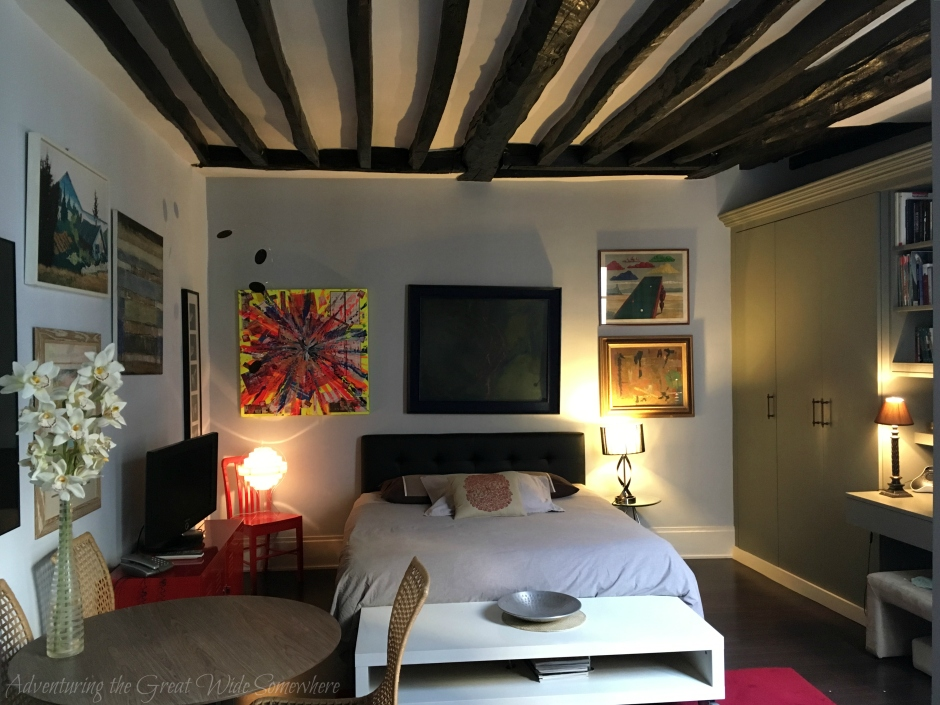 review-of-my-first-airbnb-stay-in-le-marais-paris