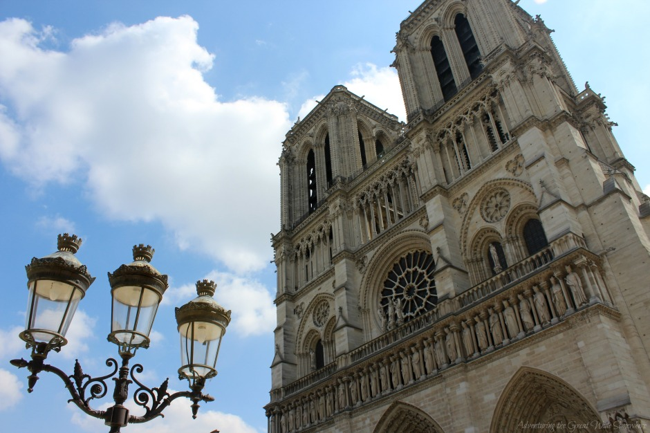 springy-notre-dame-de-paris-with-lanterns-in-the-foreground